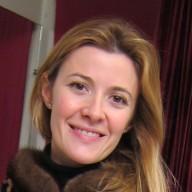Pour ses retouches, Elisabeth Bost à choisie L'ART DE L'AIGUILLE à Paris 6ème près du Bon Marché