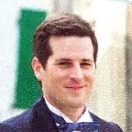 Antoine Rocklin E-Marchandiser à l'art de l'aiguille pour son costume de mariage