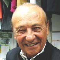 Jacques Séguéla client de L'ART DE L'AIGUILLE pour ses retouches de vêtements